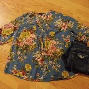 Floral Top size 24 or 3x